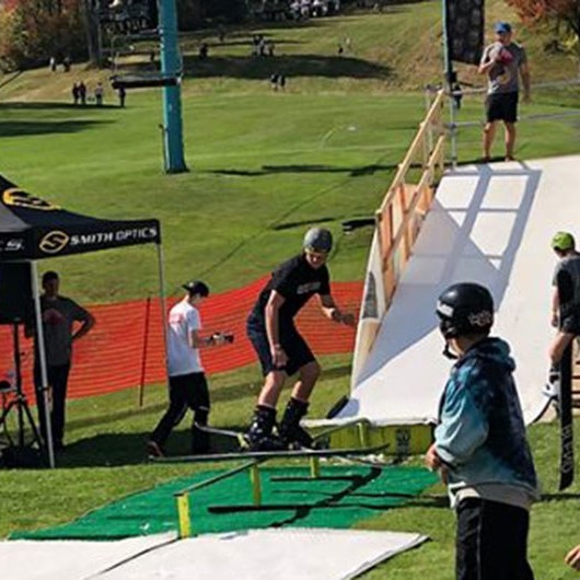 Fall Rail Jam structure and competitors